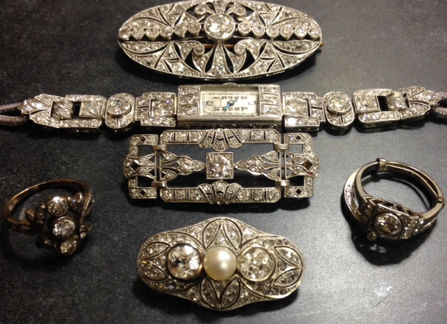 Benefit Shop Auction Art Deco pieces
