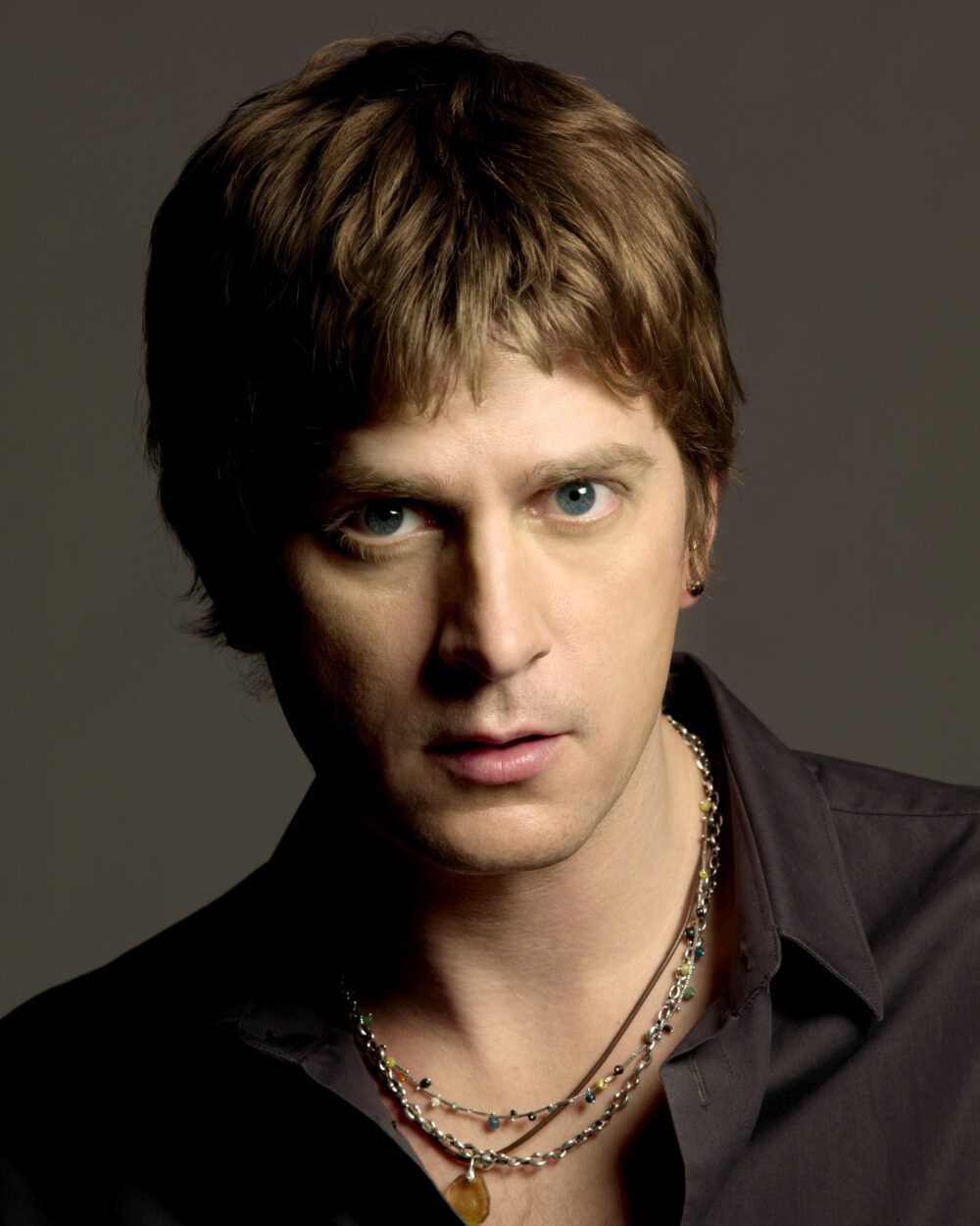 rob thomas Rob thomas (born august 15, 1965) is an american author, producer, and screenwriter, best known.