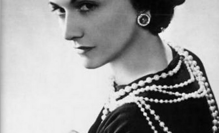 Early photo of Coco Chanel (1)