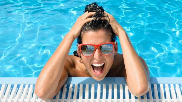 Happy-Woman-Sunglasses