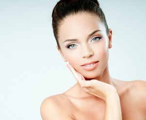 benefits-of-a-surgical-facelift-vs-a-non-surgical-facelift-300x2461
