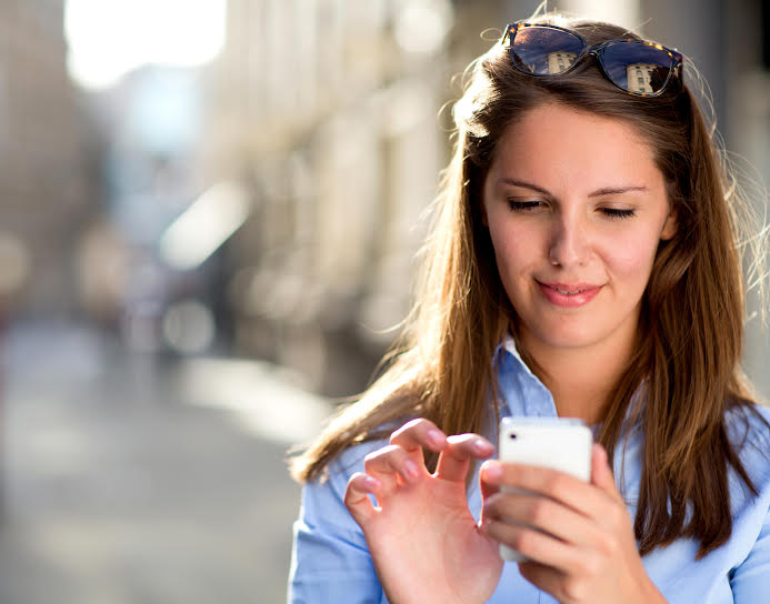 4 Ways Your Cellphone Might Be Making You Ugly