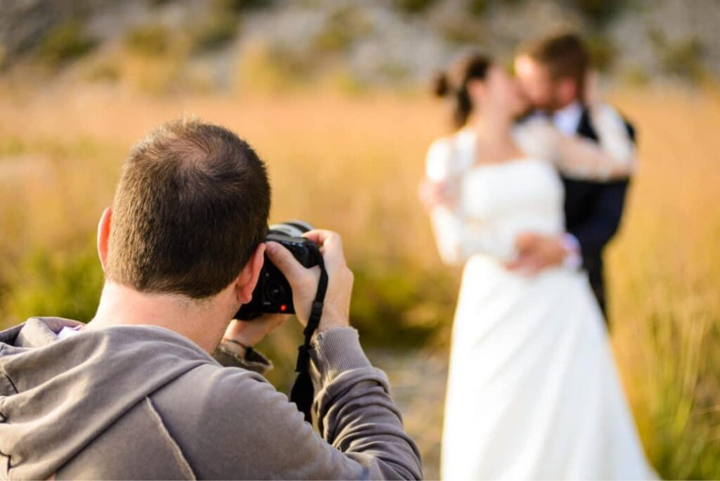 cheap-professional-wedding-photographers-videographers-1068x713.jpg