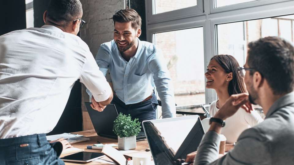 4 Effective Ways to Win & Retain Clients