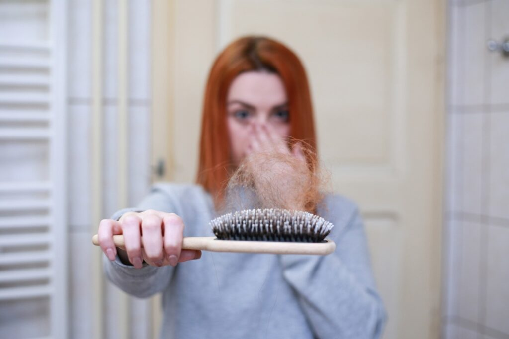 hair-loss-4818761_1920.jpg