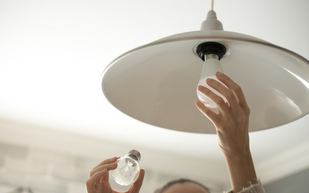 Top 10 Reasons Why Light Bulbs Keep Burning Out Quickly? | Zameen Blog